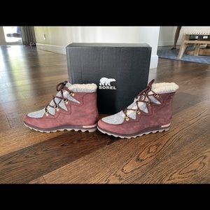 Women's brand new Sorel Winter boots size 10 1/2.